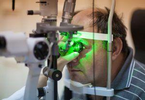 Szemfenék lézeres fotokoagulációja - diabéteszes retinopátiaszemészeti terápia