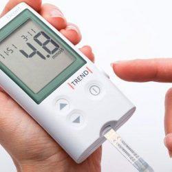 vércukor-önellenőrzés inzulinpumpa kezelés esetén