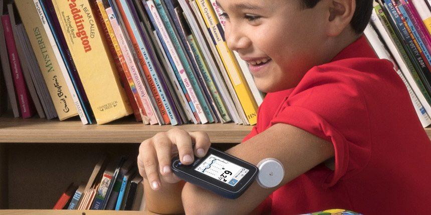 FreeStyle Libre Flash szöveti glukózérzékelő gyermekeknél és kamaszoknál